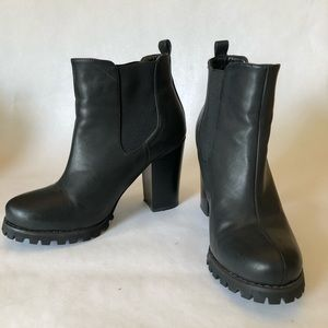 Chinese Laundry Heeled Chelsea Ankle Boots